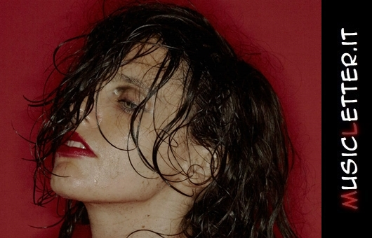 Hunted è il nuovo disco di Anna Calvi | Streaming