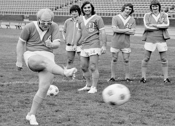 calcio-rock-elton-john-george-best.jpg