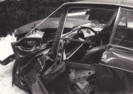 fiat-850-coupe-1978-crash.jpg